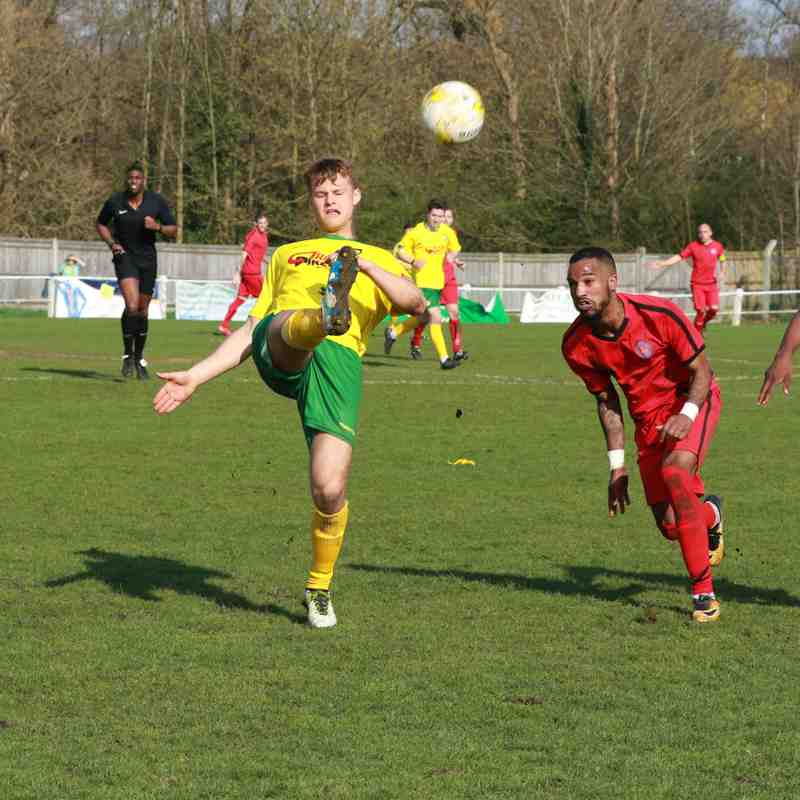 Godalming Town v Sutton Common Rovers 14.4.18