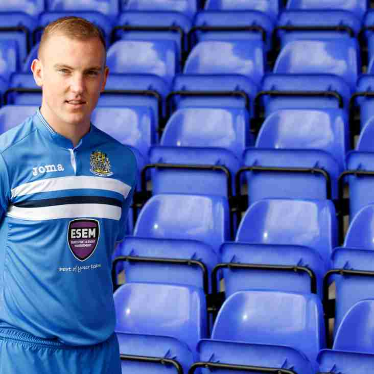 Clitheroe loan Stockport County defender