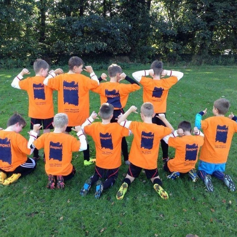 Junior Briggers U10's supporting Respectober