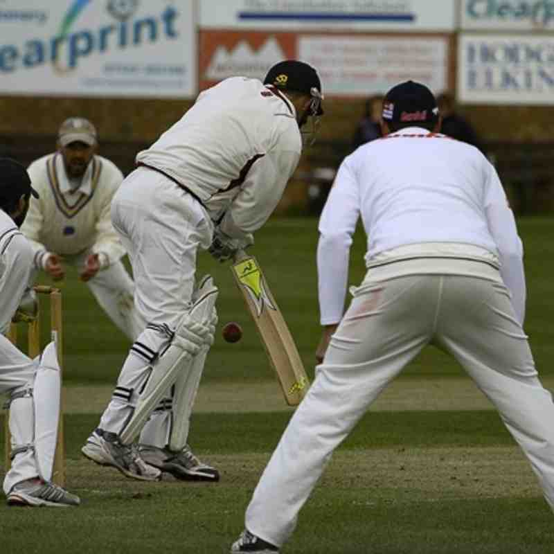 23 Apr 16 1st XI v Louth (Bowling and fielding)