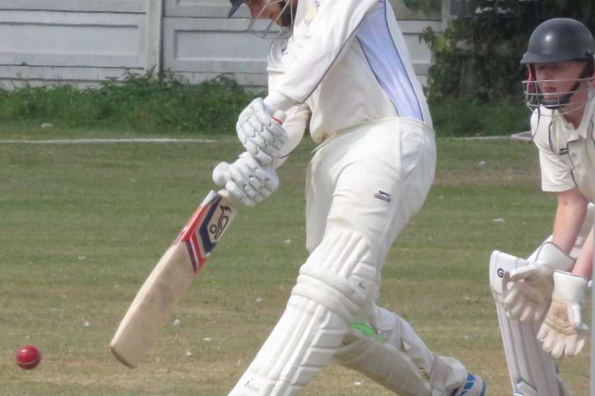 1stXI defeat Frinton but 2ndXI fall just short