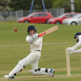 Glens Shock Champions as Cricket Season Begins