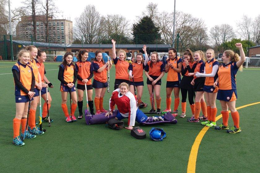 U16 girls win Ladies 2's challenge match!