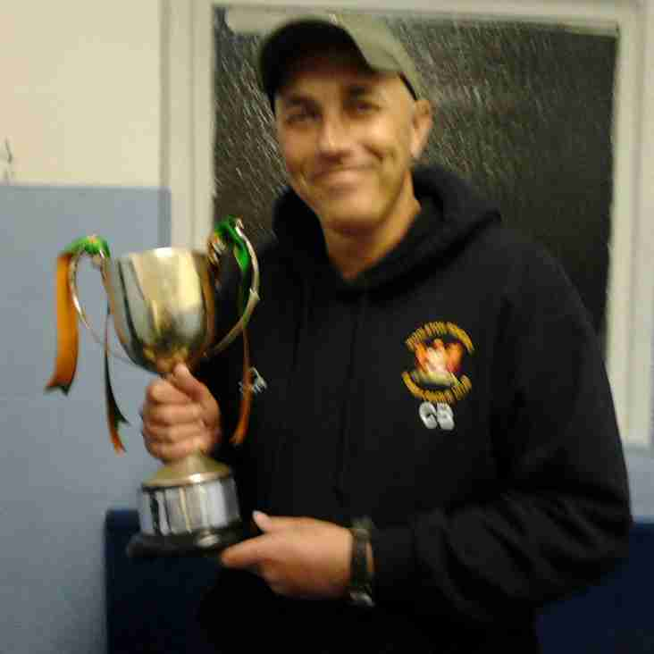 WOOLSTON ROVERS COACH CHRIS TO HAVE A 'BALL' COMPLETING 24 HOUR RUN IN MEMORY OF HIS LATE FATHER