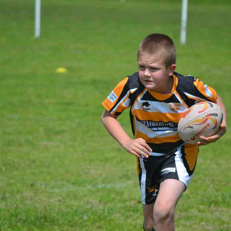U9s v Birkenshaw BlueDogs 05/06/2016