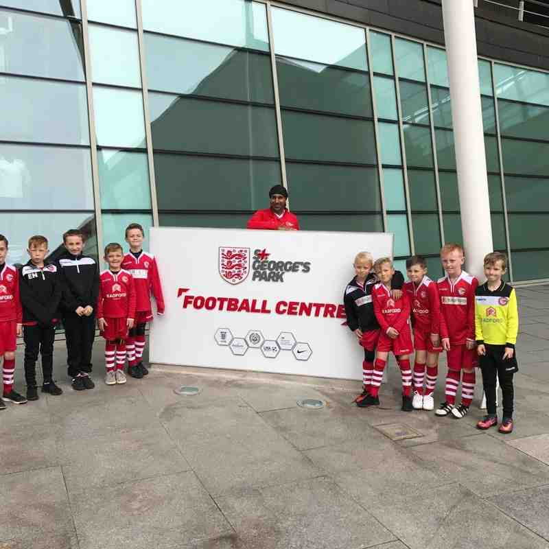 U8's WHITE 2016-17 - Visit to St Georges Park