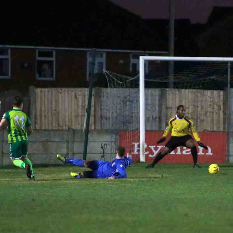 03/01/17 - Aveley 0-2 Thamesmead Town
