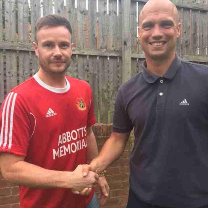 Steve Bromley signs for Knaresborough Town