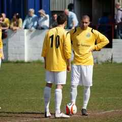 Mangotsfield Utd v Almondsbury Town 9th April 2011