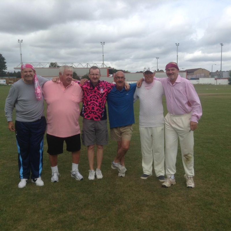 SIDCUP CC FAMILY MAKE GENEROUS DONATION TO THE HEATH