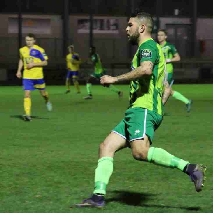 Vinesy's double sees Mead into last 16