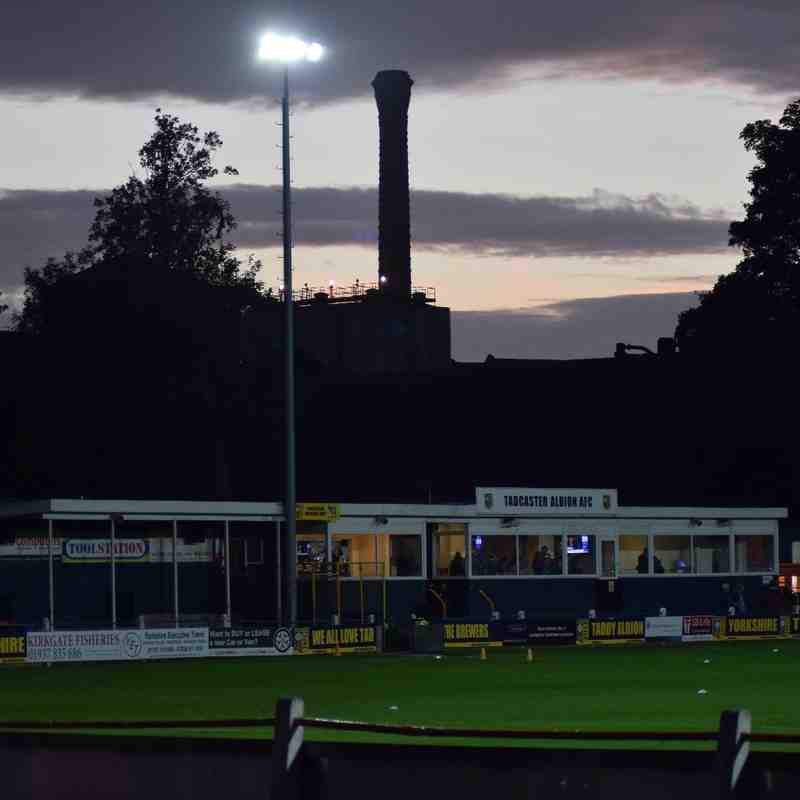 Tadcaster Albion v Glossop North End