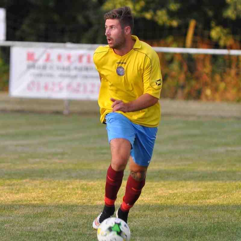 FA Cup game Hamworthy `v` Lymington 0-0