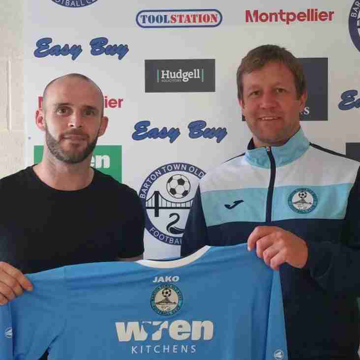 First Team   New Signing - Paul Robson!