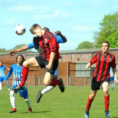 Reading YMCA v Marlow United Photos by Peter Toft