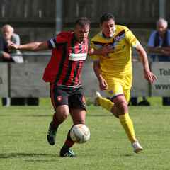 Woodford returns to Petersfield Town
