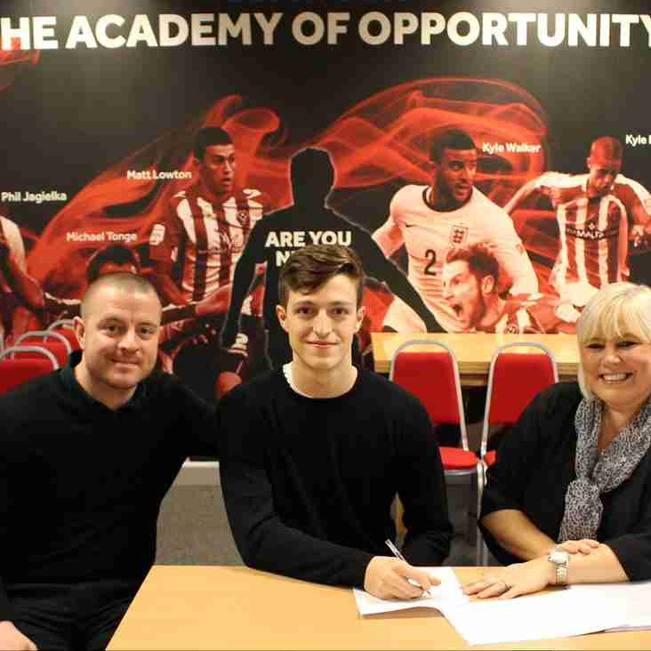Horatio signs Pro contract with Sheffield Utd