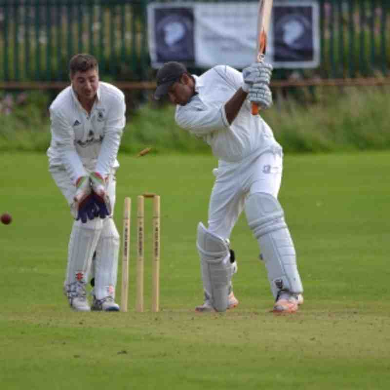 1st XI v Hollinwood - 26th August 2017