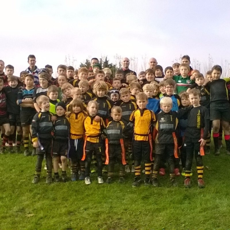 Swaffham minis observe Remembrance Sunday