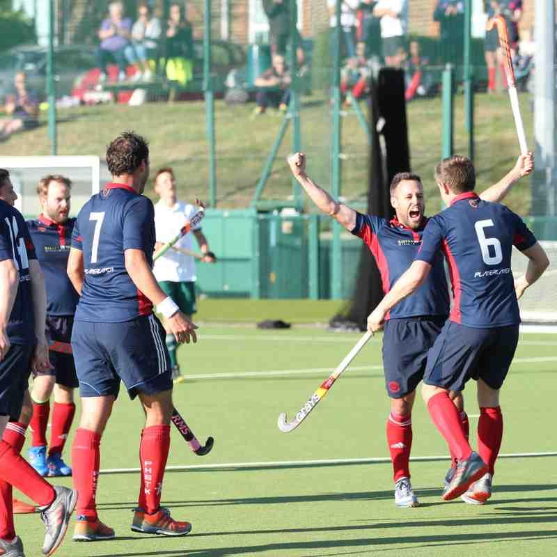 Men's 1s vs Canterbury - 20th October (Photo credit: Dave Baker)