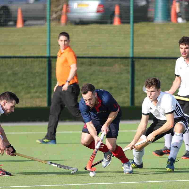 Men's 1s vs Southgate 17.02.19 (Photo credit: David Baker)