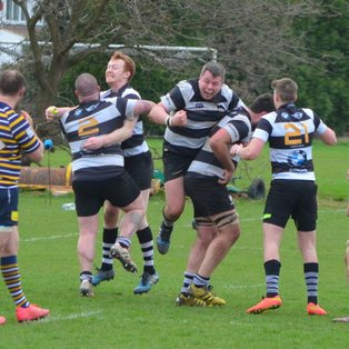 Nail-biter as Farnham edge Old Cranleighians in the Regional Senior Vase Final