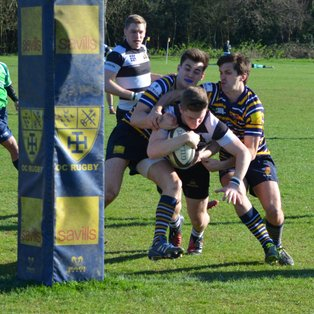 Farnham edge closer to the Championship