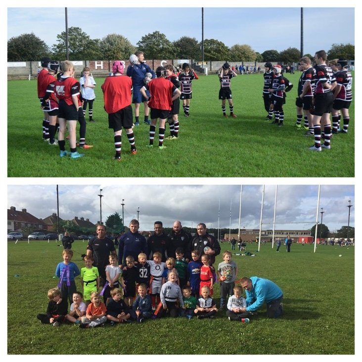 Falcons players coach Hartlepool Minis section<