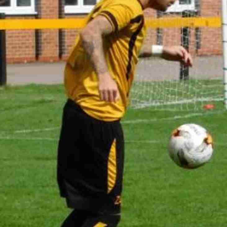 Hutchcox commits to Warwick