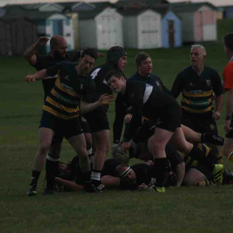 H&D vs Burnham on Crouch 251117