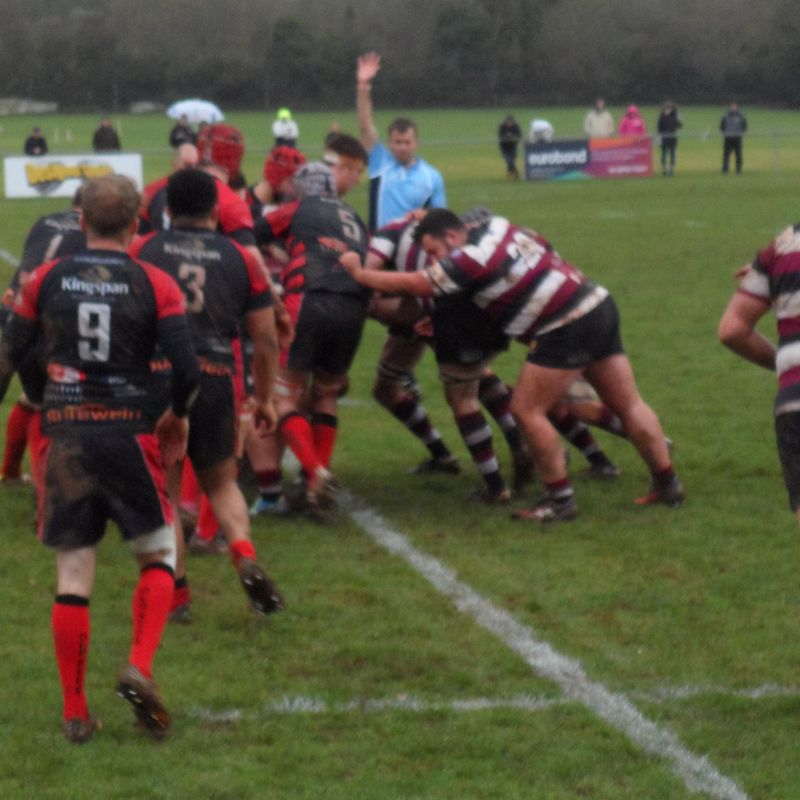Reds see off Cleve with controlled display