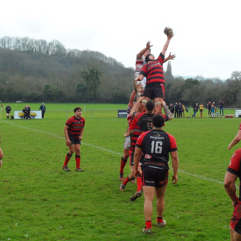 Old Reds ease past Bromsgrove and nearer to promotion