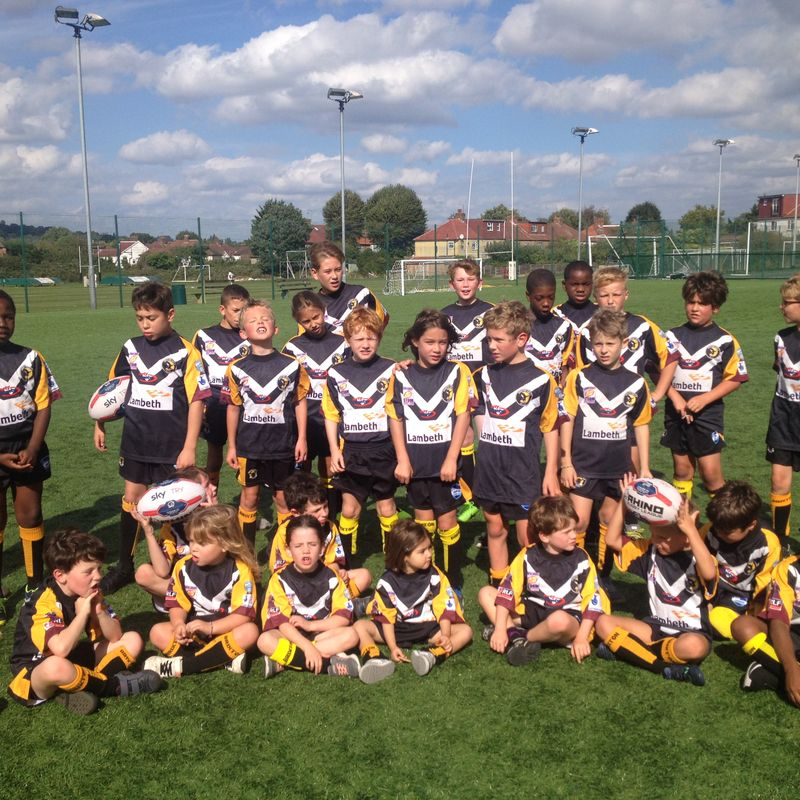 Minis Bulls are Mascots for London Broncos