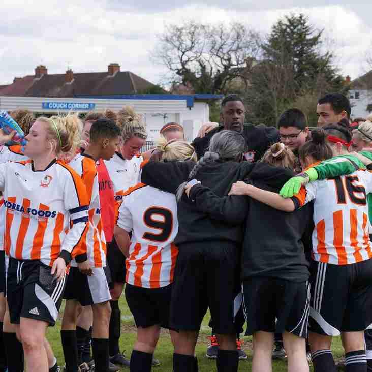 Ashford Town (Middlesex) Ladies seal league title