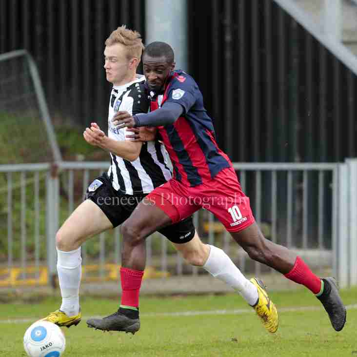 Magpies sign Odametey