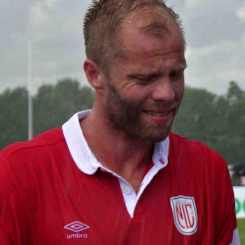 Eidur Gudjohnsen - not happy in the rain