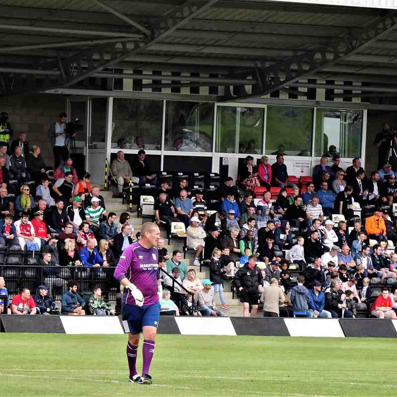 Mark Crossley in front of a packed stand
