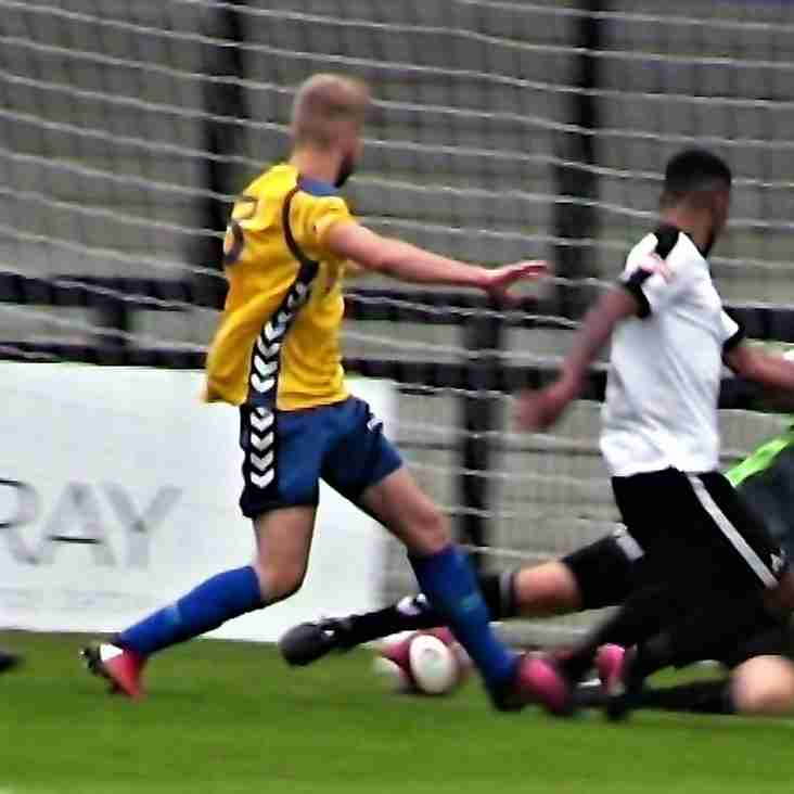 KINNIBURGH'S STEELMEN PICK UP THREE POINTS - AND NO CARDS