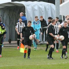 St Ives Town vs Stratford Town pics by Granty