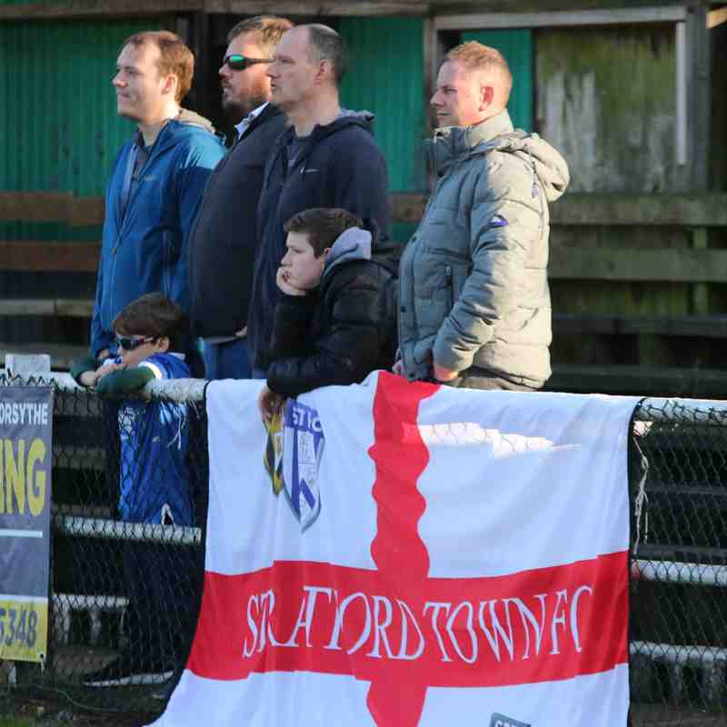 Hitchin Town v Stratford Town pics by GRANTY