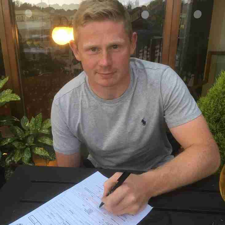 Simon Wills is staying a Blue!