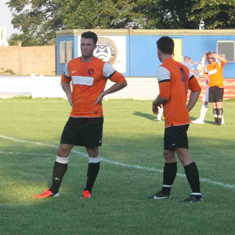 Hungerford Town 2, Sumas 3