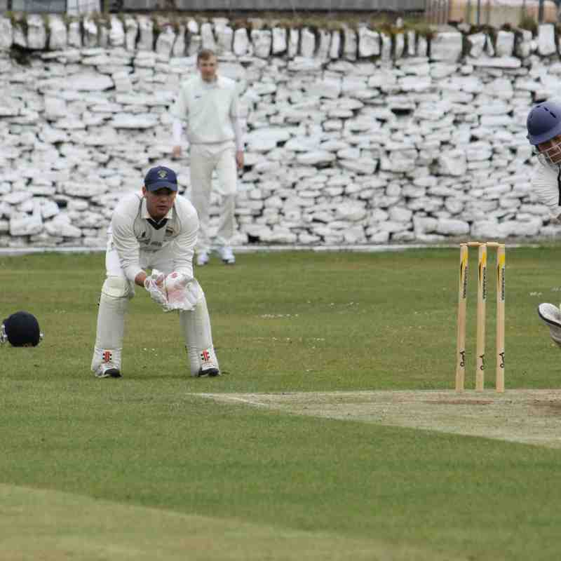 2nd XI Home to Thurstonland April 2015