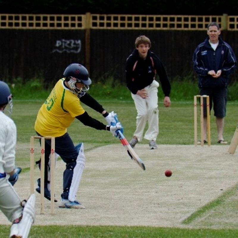 Sheen Park 85/4 - 81 Hampton Wick Royal Cricket Club