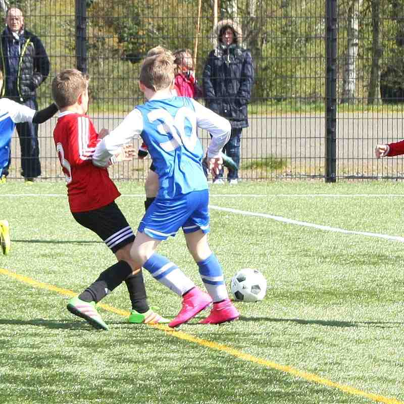 2005 Rovers (3) Vs Castle (3) 30th April 2016