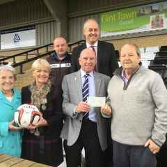 Gary Speed Grassroots football Trust donate to Flint Kidz Soccer Saturday FFITC. Presented Gary Speed Mum & Dad & Grandmother.