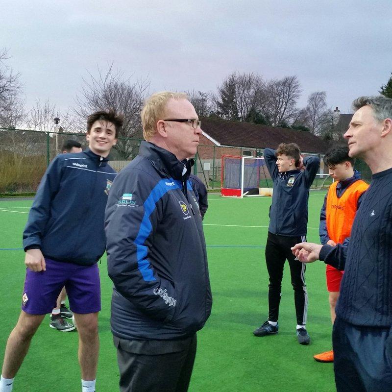 ALEX McLEISH visits Wells City FC U18 training