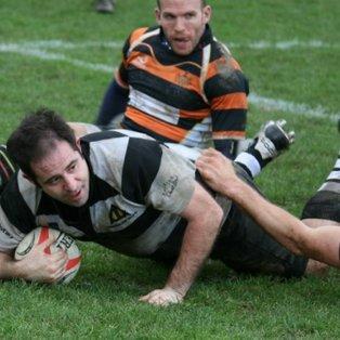 Farnham enjoy 10 try romp against valiant Wellingtonians