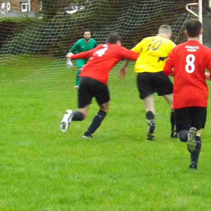 MOLD TOWN UTD PROGRESS IN THE PREMIER CUP.