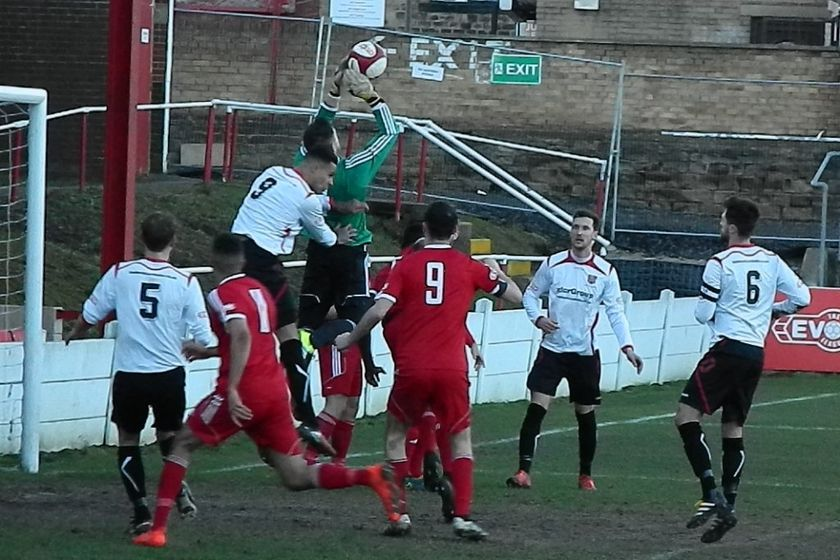 Ayres in Late Show at Ossett Town